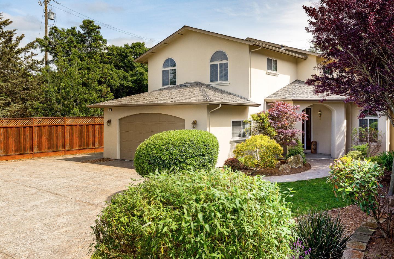 Частный односемейный дом для того Продажа на 137 La Cuesta Drive Scotts Valley, Калифорния 95066 Соединенные Штаты