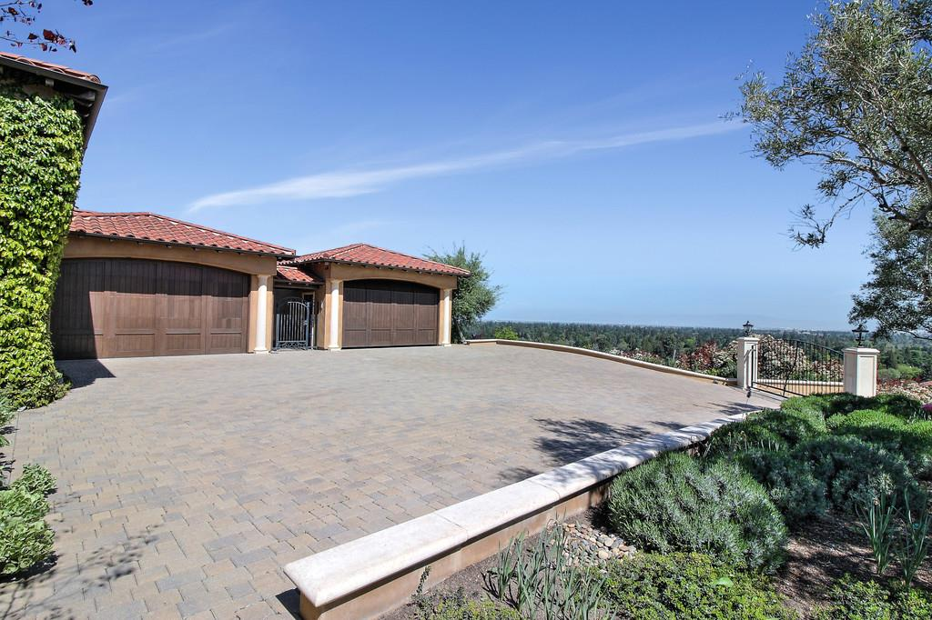 Additional photo for property listing at 480 Border Hill Road 480 Border Hill Road Los Altos, California 94024 United States