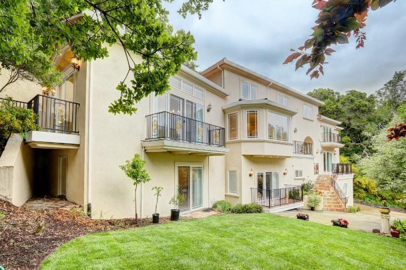 30 Crystal Springs Terrace, HILLSBOROUGH, CA 94010