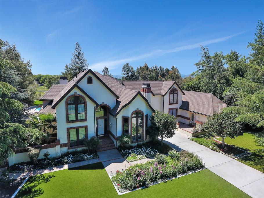 واحد منزل الأسرة للـ Sale في 2192 Windemere Court Morgan Hill, California 95037 United States