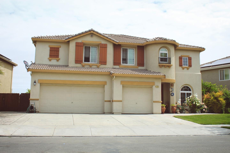 Частный односемейный дом для того Продажа на 234 San Lorenzo Street Los Banos, Калифорния 93635 Соединенные Штаты