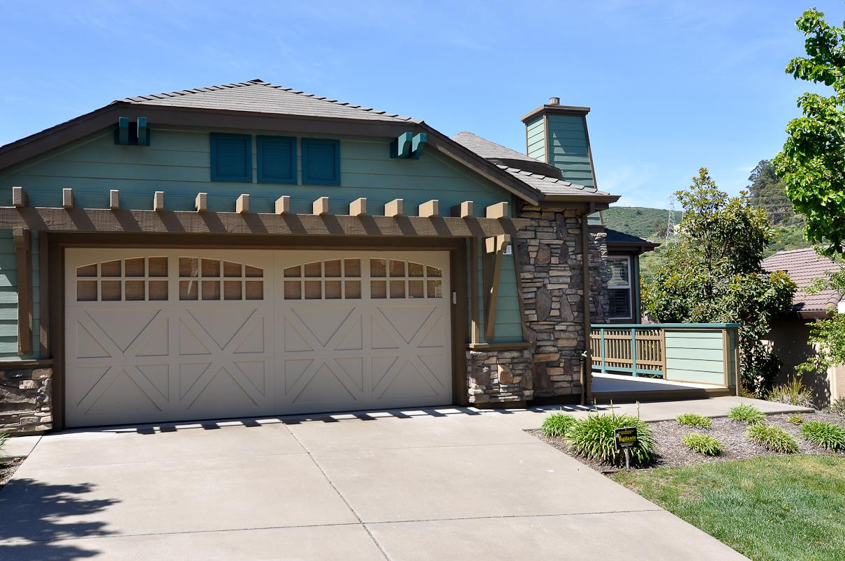 Additional photo for property listing at 39 Lupine Valley Court  Brisbane, California 94005 Estados Unidos