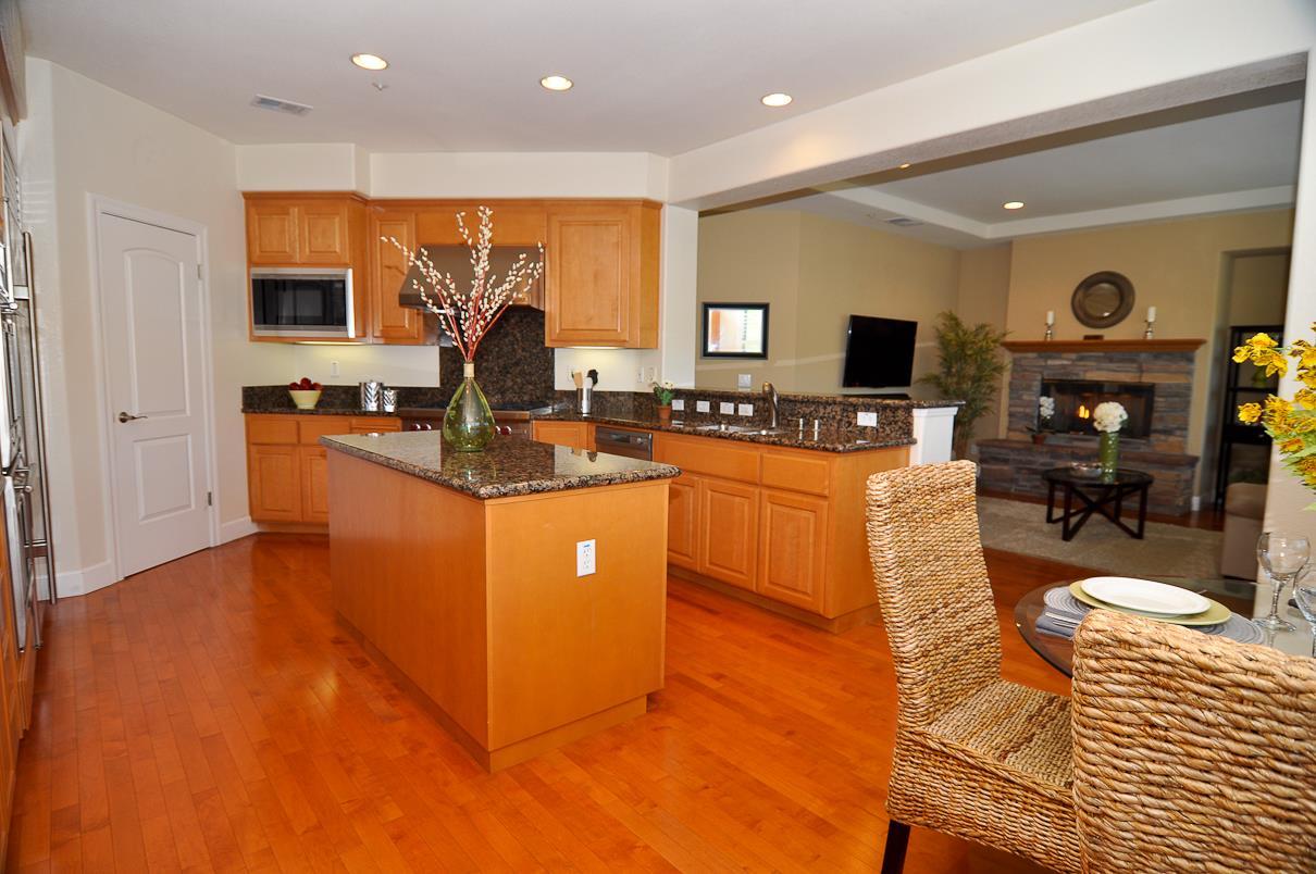 Additional photo for property listing at 39 Lupine Valley Court  Brisbane, 加利福尼亞州 94005 美國