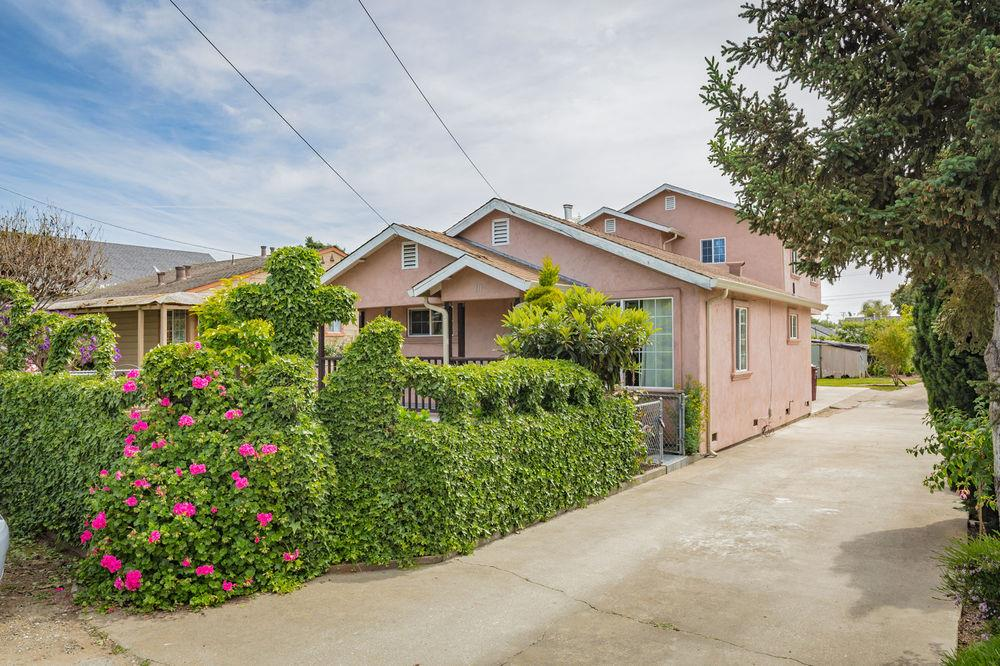 Single Family Home for Sale at 111 Roache Road 111 Roache Road Freedom, California 95019 United States