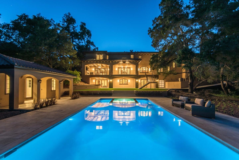 Частный односемейный дом для того Продажа на 15690 GLEN UNA Drive Los Gatos, Калифорния 95030 Соединенные Штаты