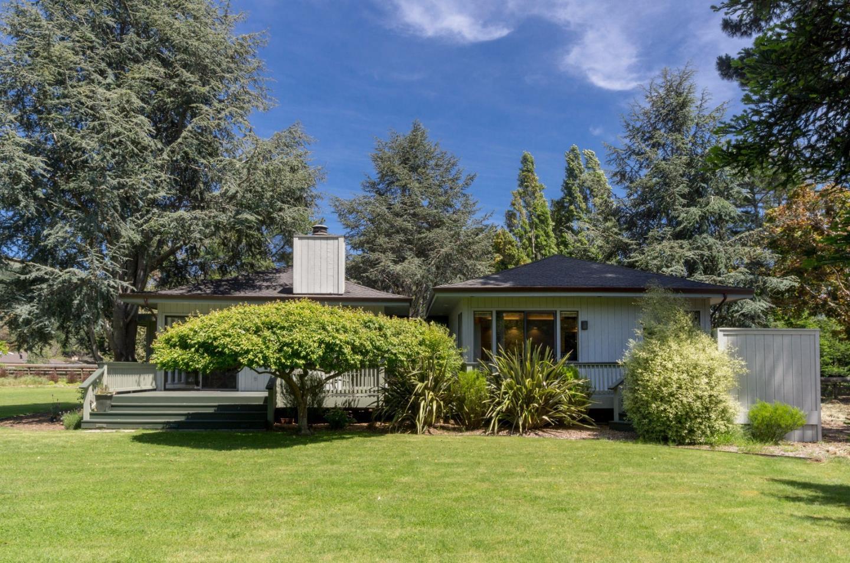 Casa Unifamiliar por un Venta en 26650 Rancho San Carlos Road Carmel, California 93923 Estados Unidos