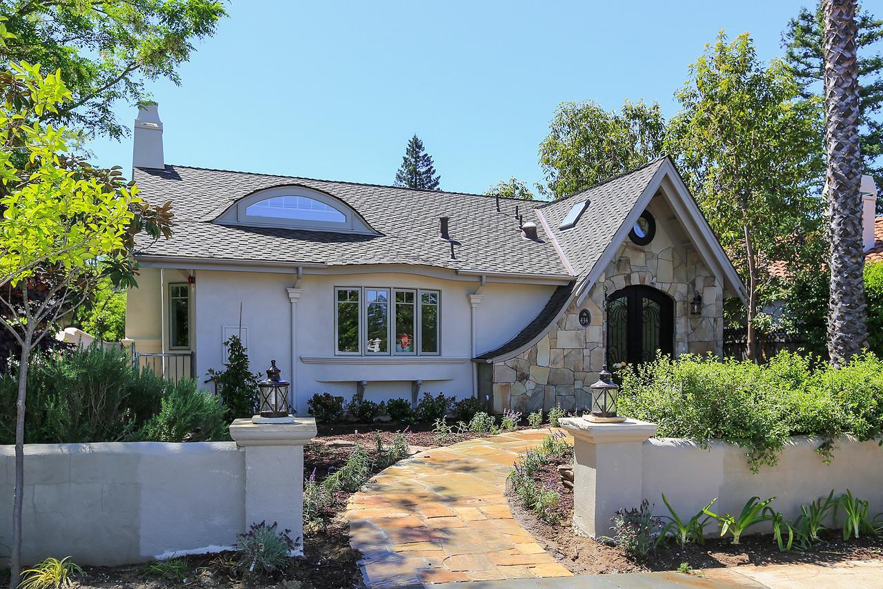 Single Family Home for Sale at 434 Orange Avenue Los Altos, California 94022 United States