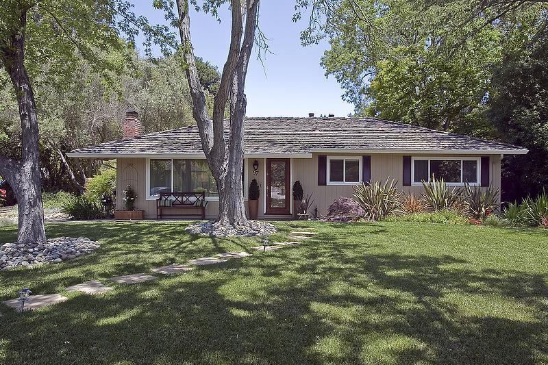 Einfamilienhaus für Mieten beim 97 Snowden Avenue Atherton, Kalifornien 94027 Vereinigte Staaten