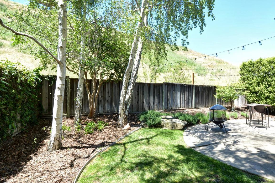 Additional photo for property listing at 21152 Old Ranch Court  Salinas, California 93908 United States