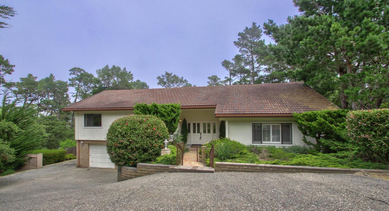 Casa Unifamiliar por un Venta en 9 Chatswood Place Monterey, California 93940 Estados Unidos