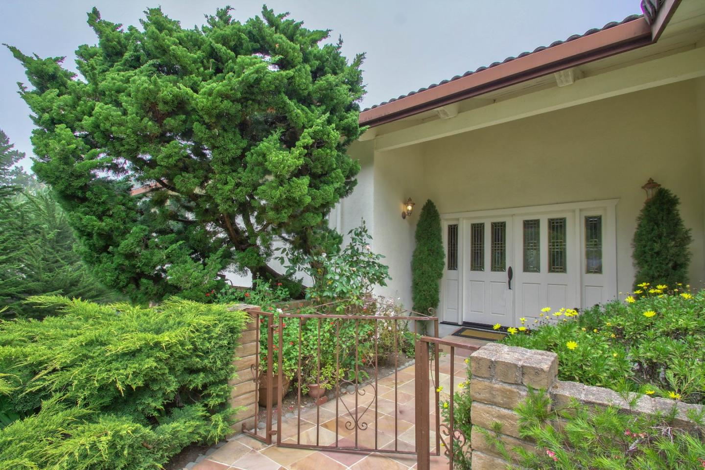 Additional photo for property listing at 9 Chatswood Place  Monterey, California 93940 Estados Unidos
