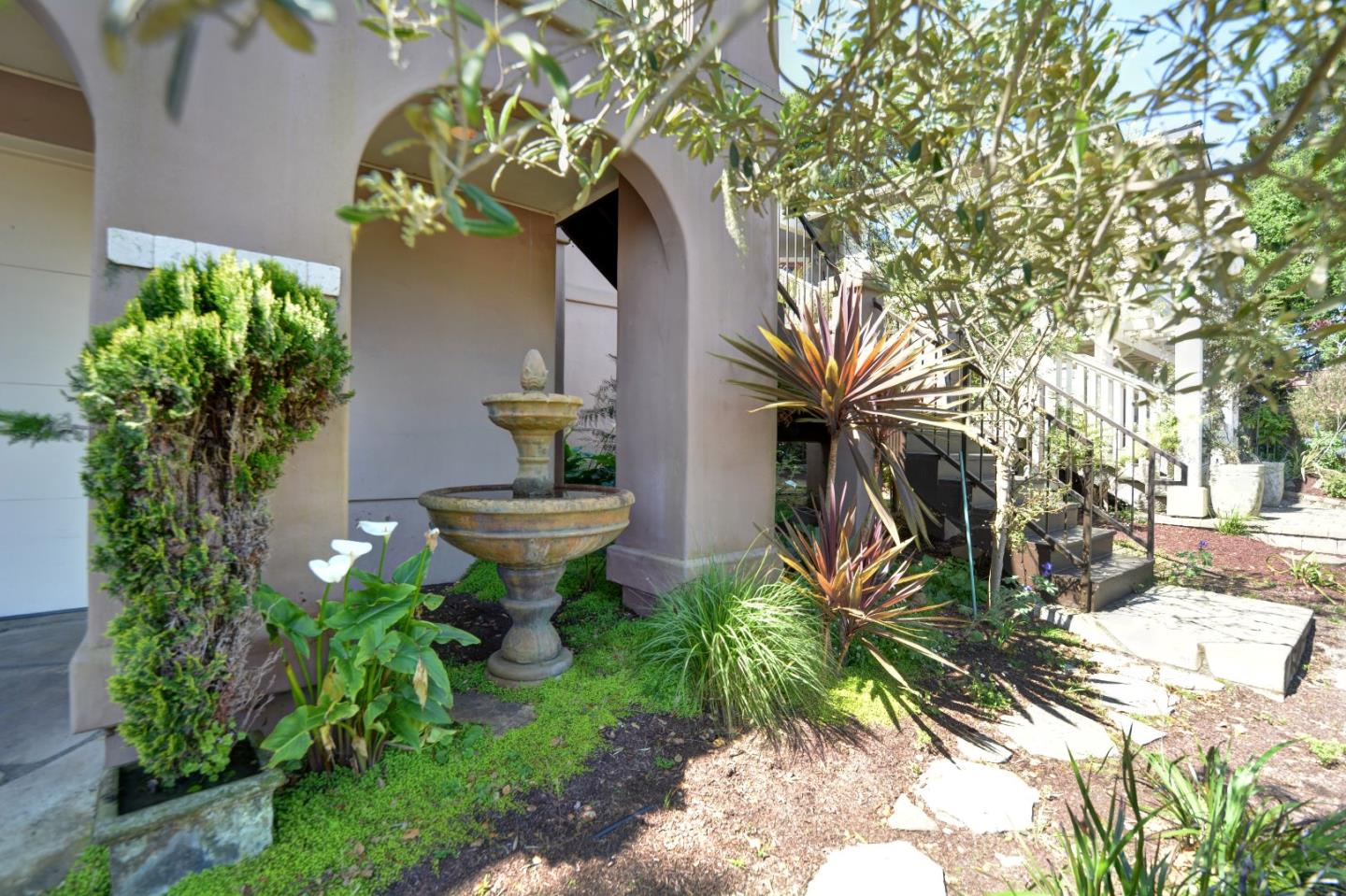 Additional photo for property listing at 1025 Jewell Avenue  Pacific Grove, California 93950 Estados Unidos