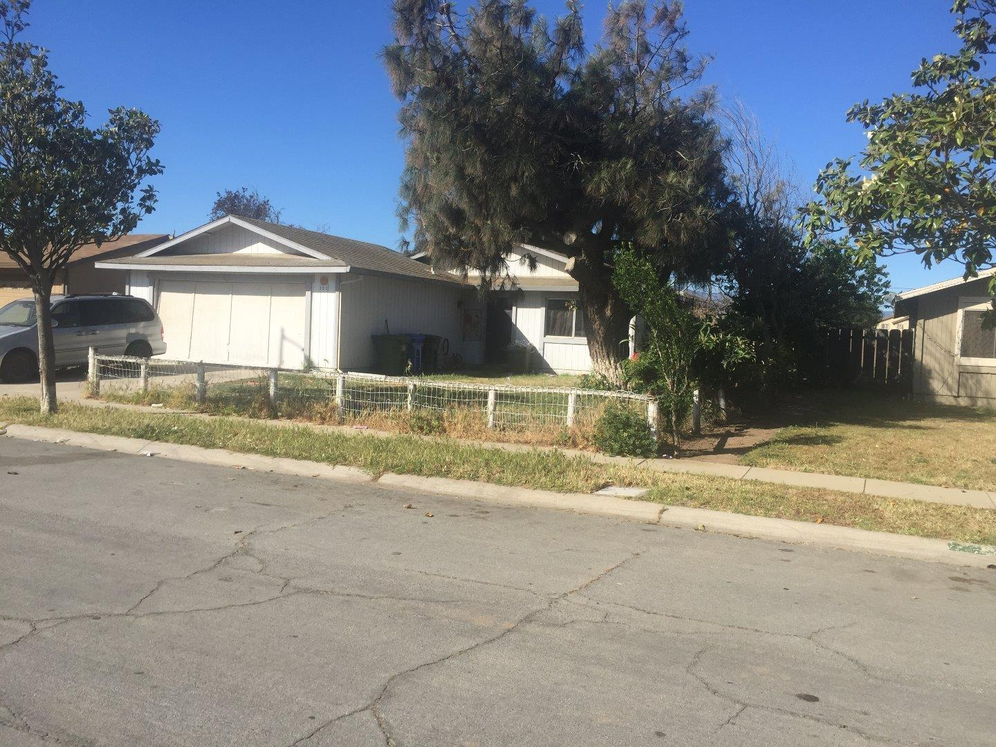 Single Family Home for Sale at 321 Eucalyptus Drive Greenfield, California 93927 United States