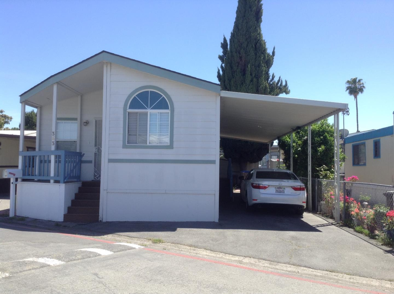 Maison unifamiliale pour l Vente à 411 Lewis Road 411 Lewis Road San Jose, Californie 95111 États-Unis