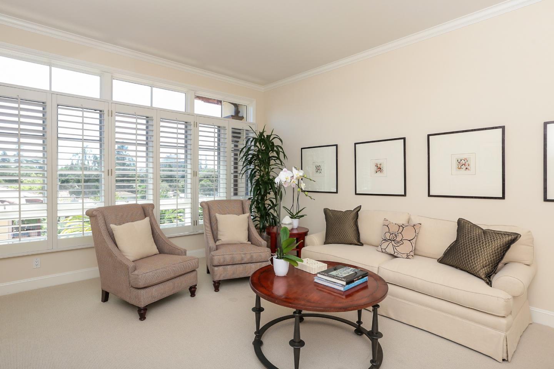 شقة بعمارة للـ Sale في 555 Byron Street 555 Byron Street Palo Alto, California 94301 United States