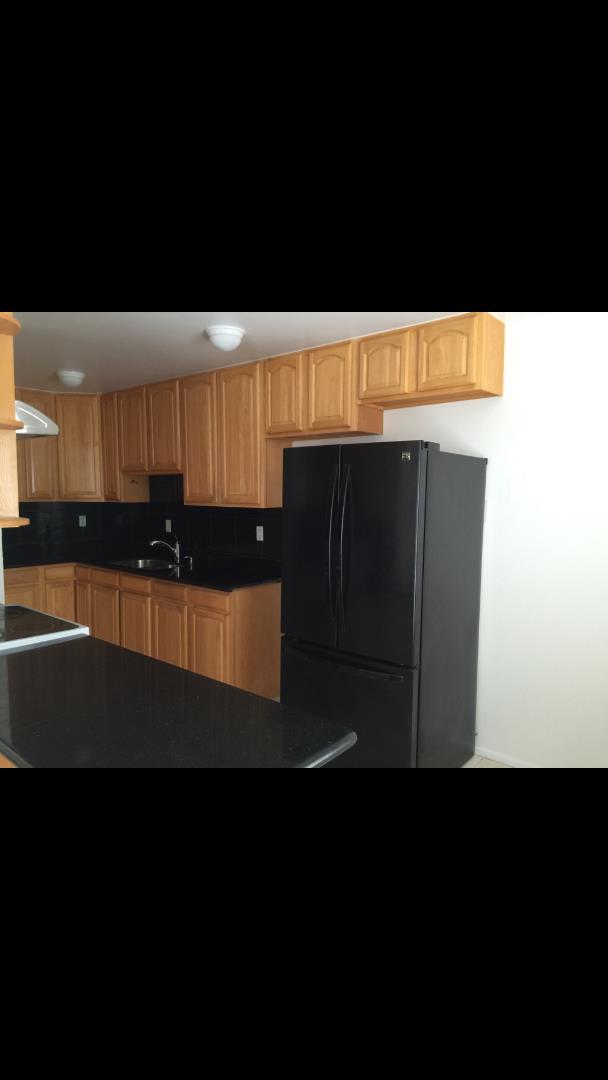 Additional photo for property listing at 80 Lausanne Avenue  Daly City, California 94014 Estados Unidos