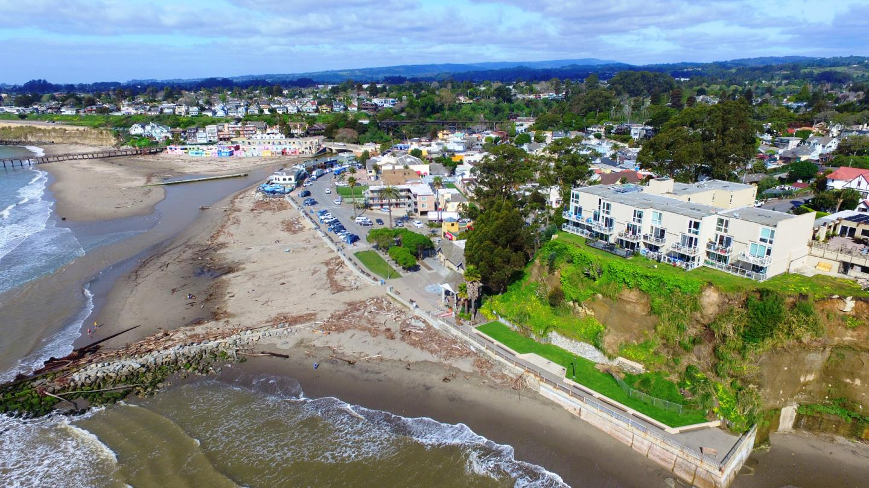 多戶家庭房屋 為 出售 在 101 Grand Avenue Capitola, 加利福尼亞州 95010 美國