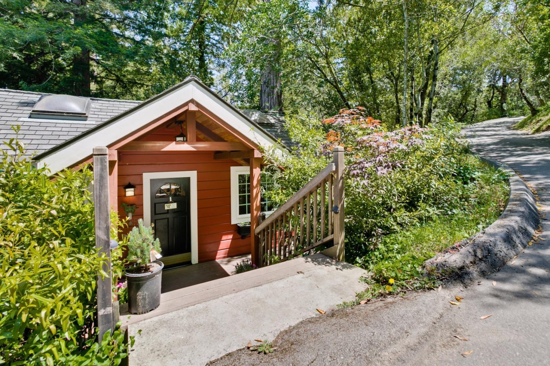 واحد منزل الأسرة للـ Sale في 339 Wayside Road 339 Wayside Road Portola Valley, California 94028 United States