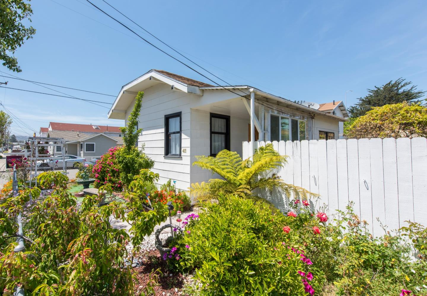 Additional photo for property listing at 411 Walnut Street  San Bruno, California 94066 United States