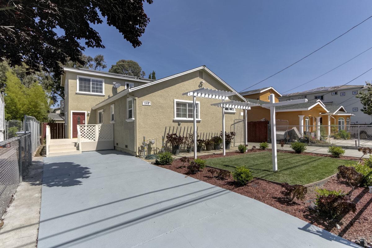 獨棟家庭住宅 為 出售 在 1318 Grand Boulevard Alviso, 加利福尼亞州 95002 美國