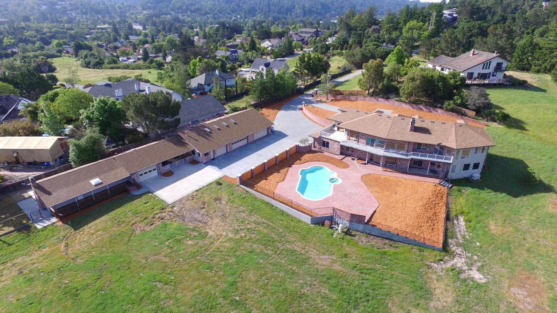 واحد منزل الأسرة للـ Sale في 15 Casa Way 15 Casa Way Scotts Valley, California 95066 United States