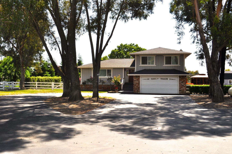 Einfamilienhaus für Verkauf beim 2850 Deeva Court Gilroy, Kalifornien 95020 Vereinigte Staaten