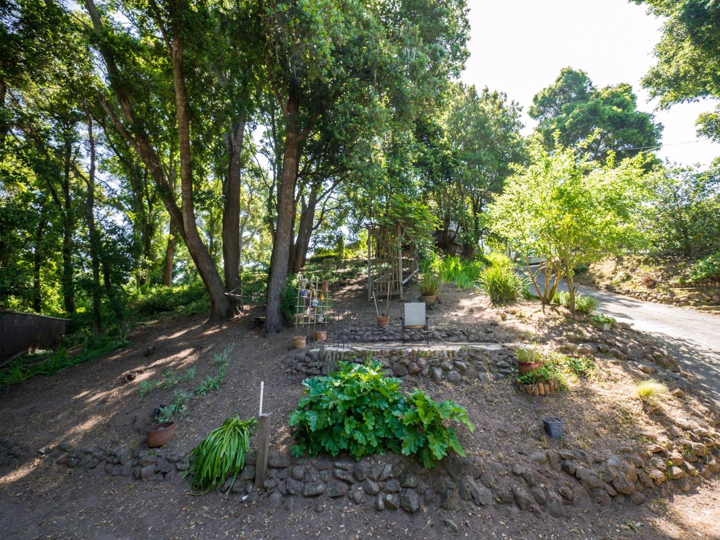 Additional photo for property listing at 9667 Monroe Avenue  Aptos, California 95003 United States