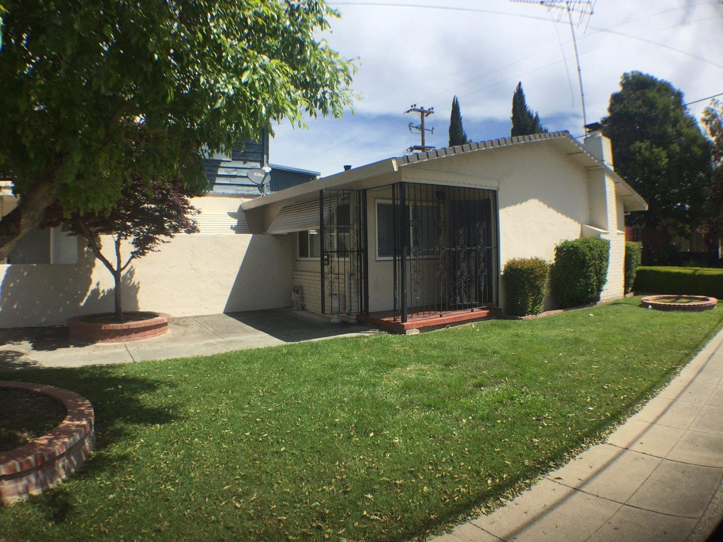 Additional photo for property listing at 792 Concord Avenue 792 Concord Avenue San Jose, California 95128 United States