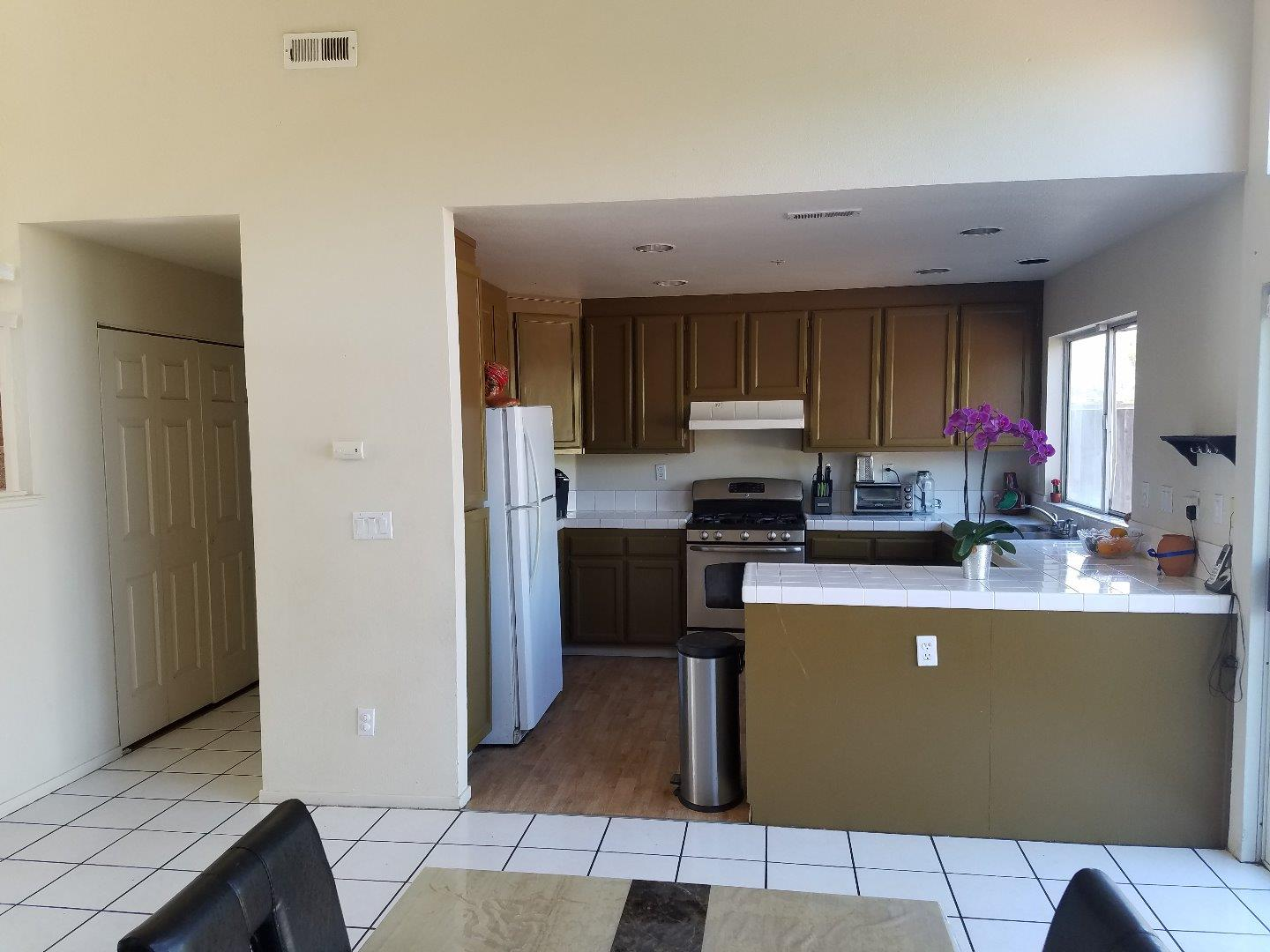 Additional photo for property listing at 727 Acapulco Way 727 Acapulco Way Salinas, California 93905 United States