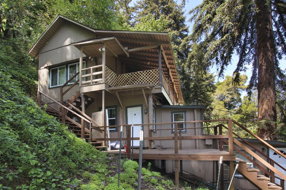 Casa Multifamiliar por un Venta en 9969 Alba Road 9969 Alba Road Ben Lomond, California 95005 Estados Unidos