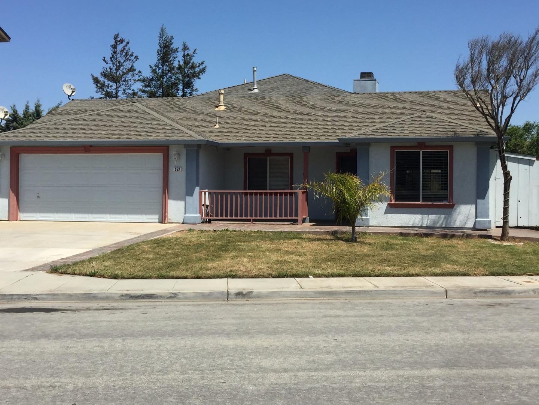 واحد منزل الأسرة للـ Sale في 352 Longhorn Drive Gonzales, California 93926 United States