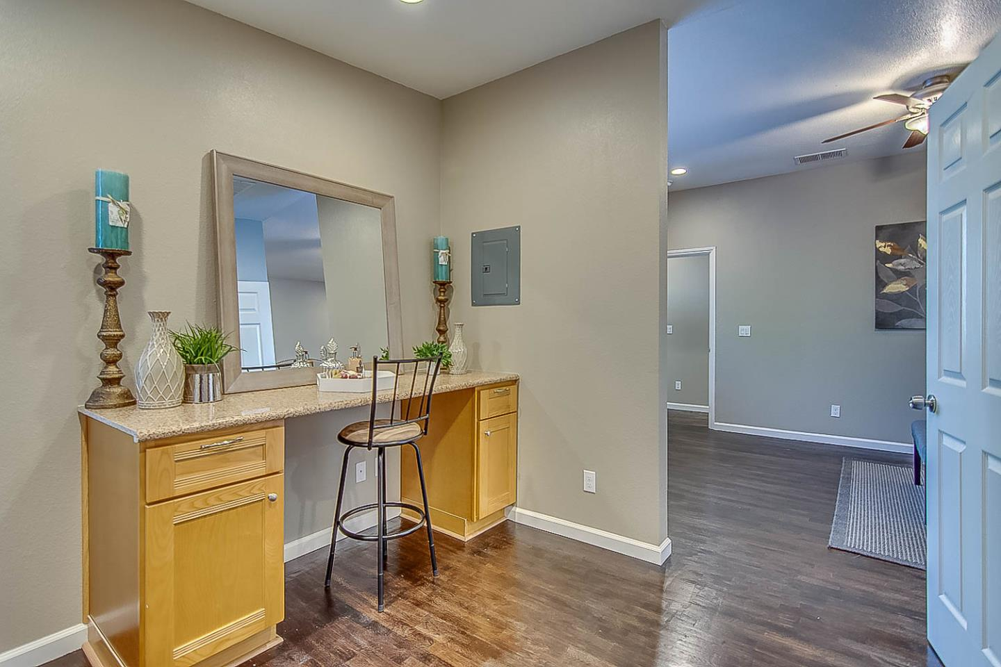 Additional photo for property listing at 3628 Kirk Street 3628 Kirk Street Stockton, Kalifornien 95204 Vereinigte Staaten