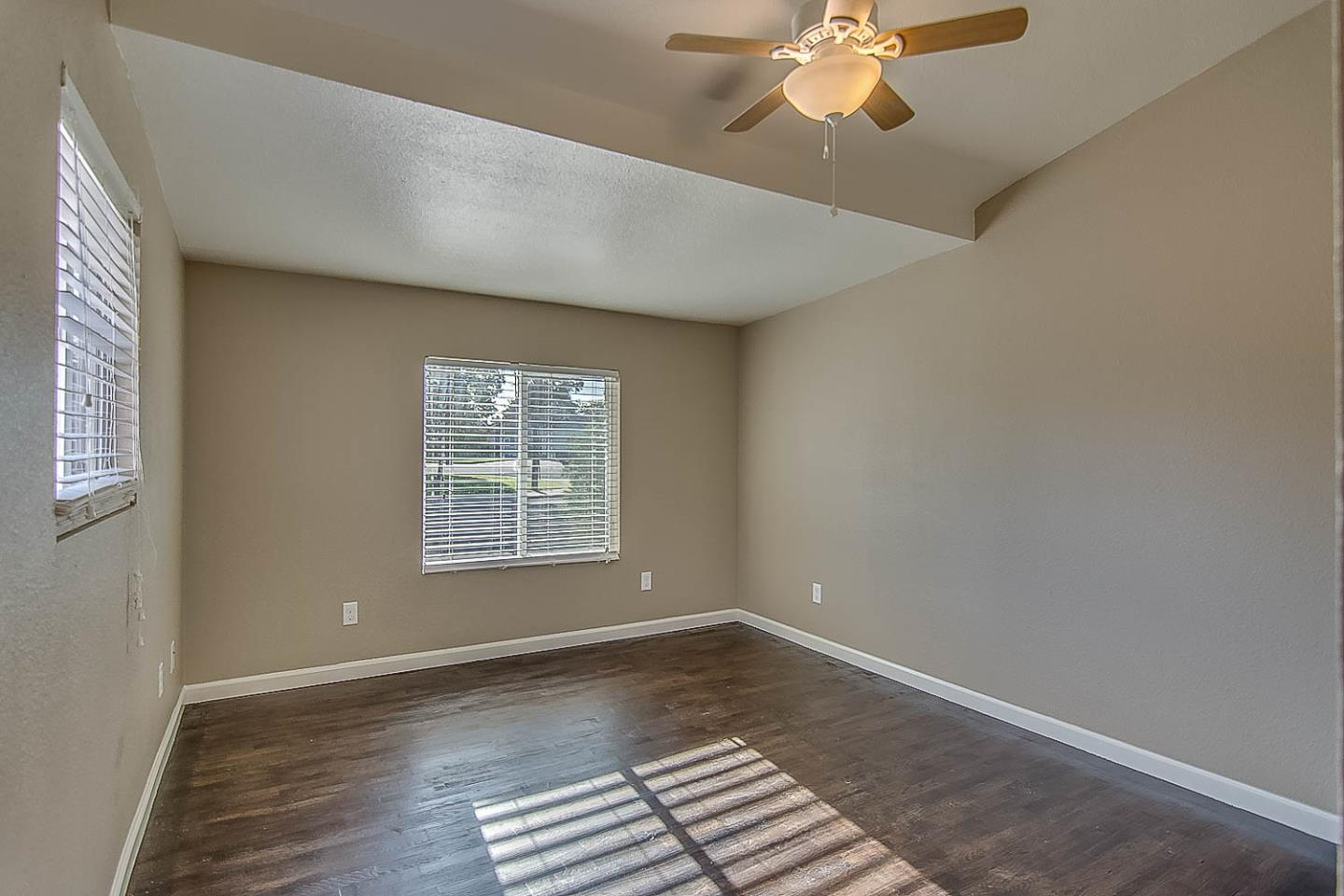 Additional photo for property listing at 3628 Kirk Street  Stockton, California 95204 Estados Unidos