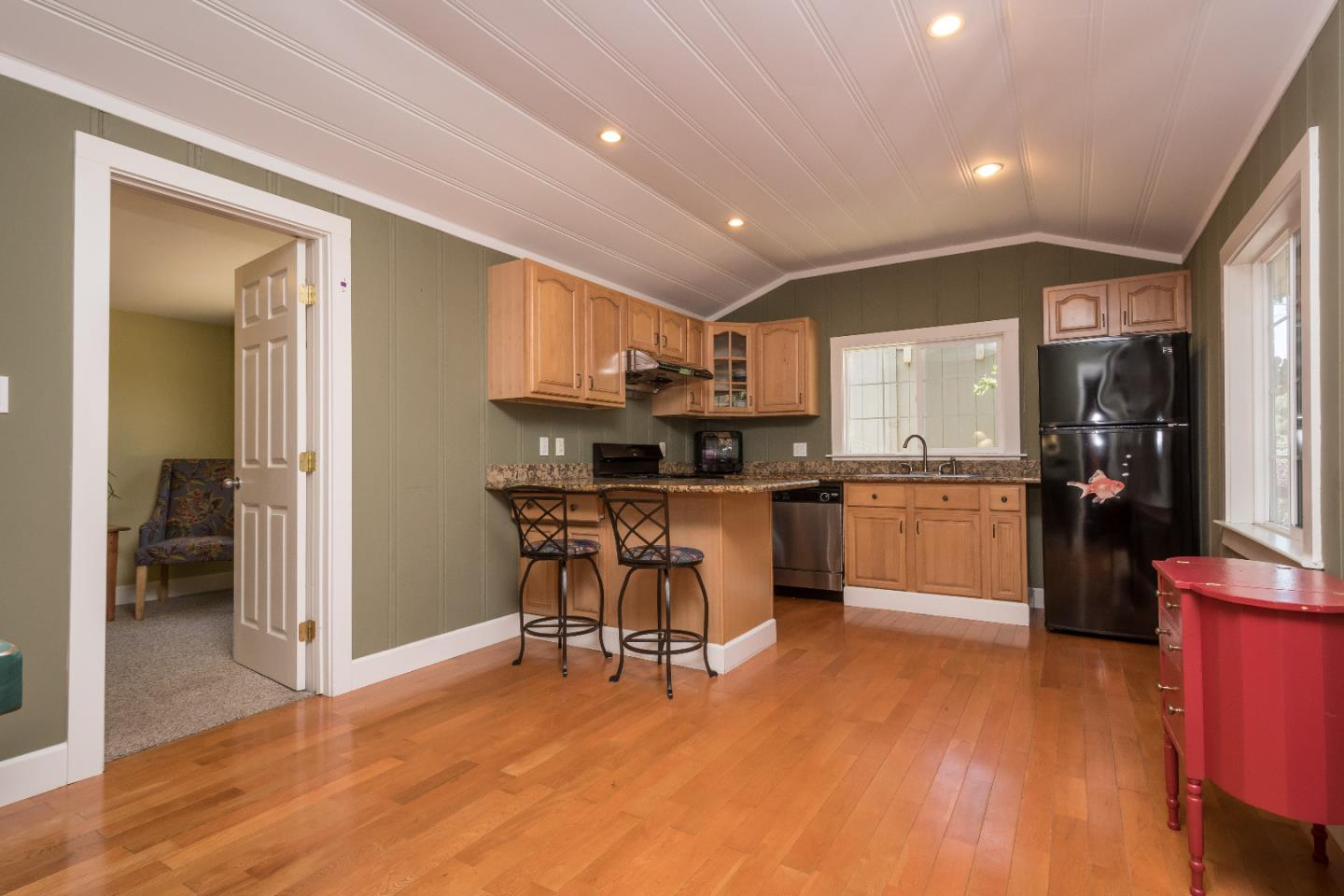 Additional photo for property listing at 2913 San Juan Boulevard  Belmont, California 94002 Estados Unidos