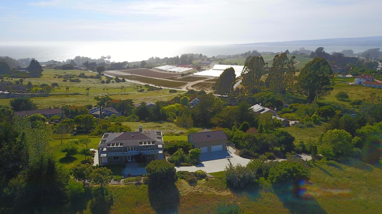 一戸建て のために 売買 アット 11 Crest Drive 11 Crest Drive Watsonville, カリフォルニア 95076 アメリカ合衆国