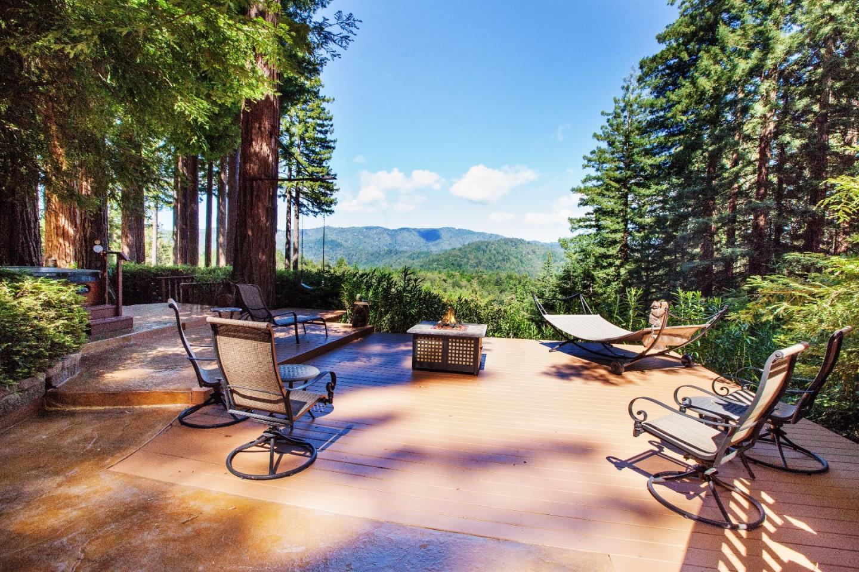 Maison unifamiliale pour l Vente à 805 Via Raton Boulder Creek, Californie 95006 États-Unis