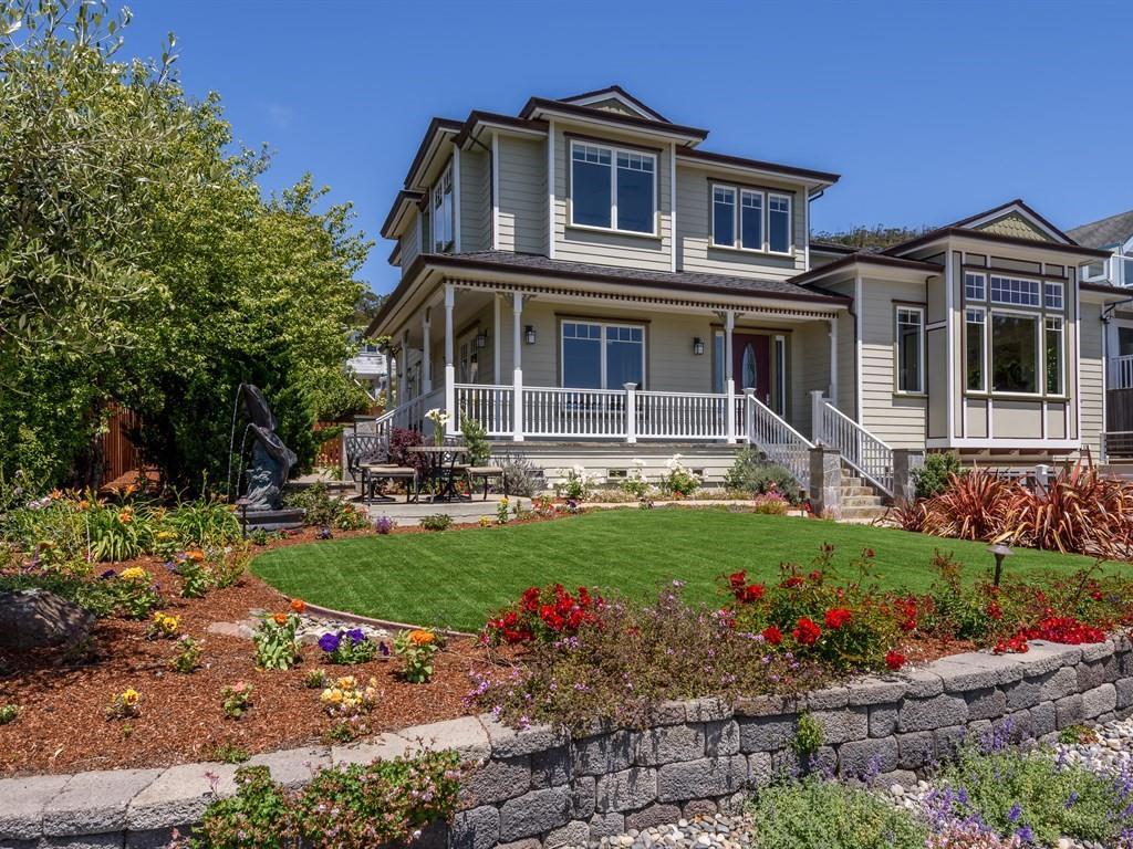 Single Family Home for Sale at 639 Santiago Avenue El Granada, California 94018 United States