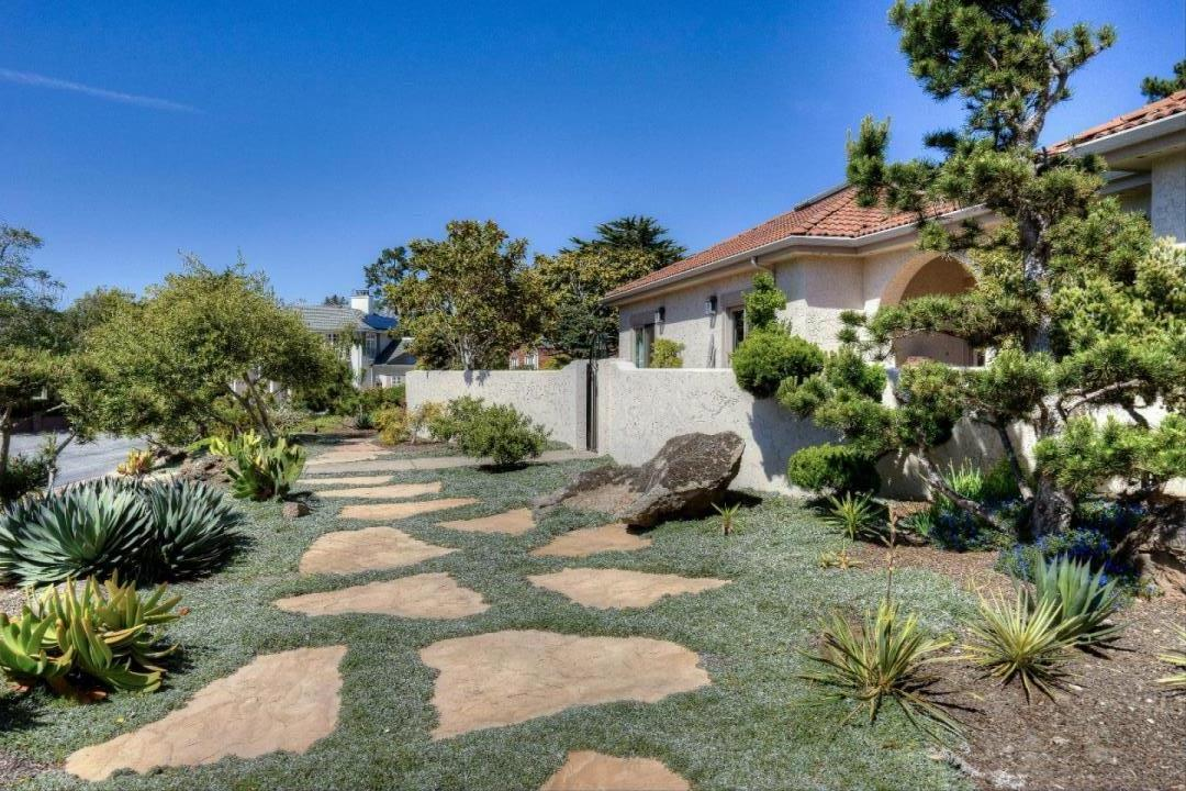 Single Family Home for Sale at 2191 Bayhill Court Half Moon Bay, California 94019 United States