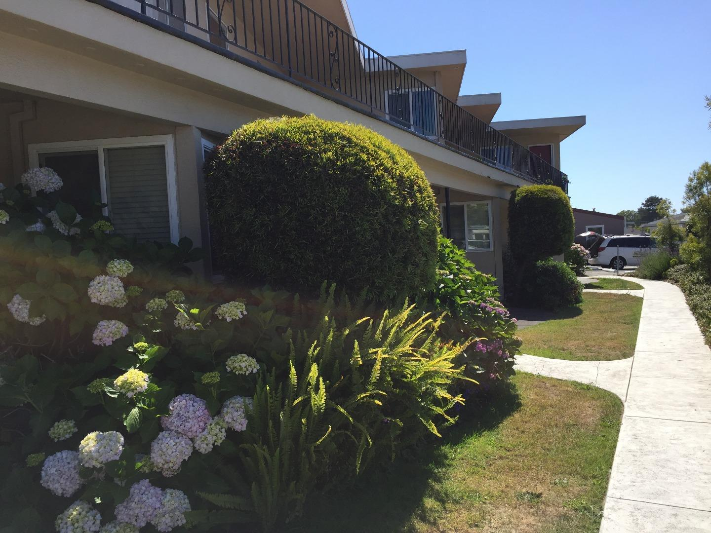 Additional photo for property listing at 911 38th Avenue 911 38th Avenue Santa Cruz, California 95062 United States