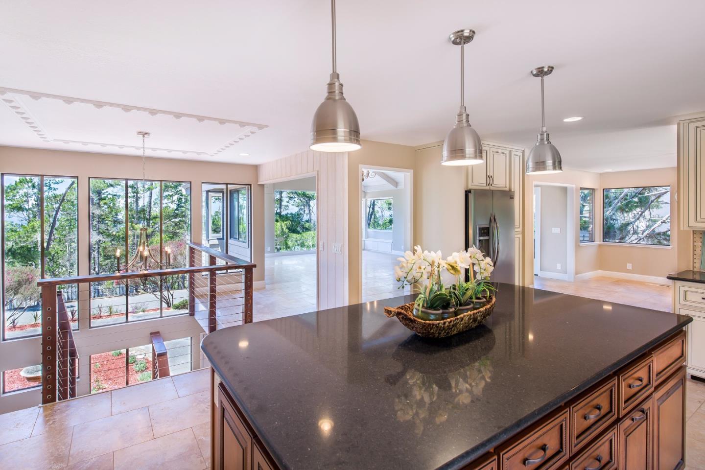 獨棟家庭住宅 為 出售 在 3057 Forest Way Pebble Beach, 加利福尼亞州 93953 美國