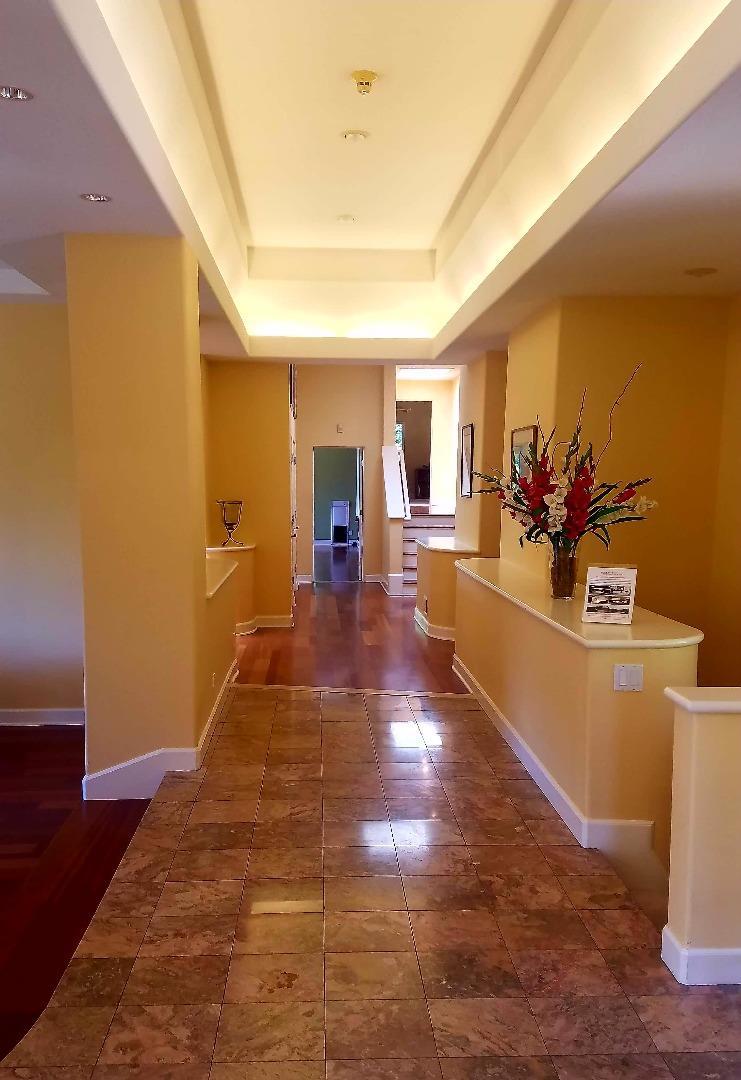 Additional photo for property listing at 21750 Vintage Lane  Saratoga, Californie 95070 États-Unis