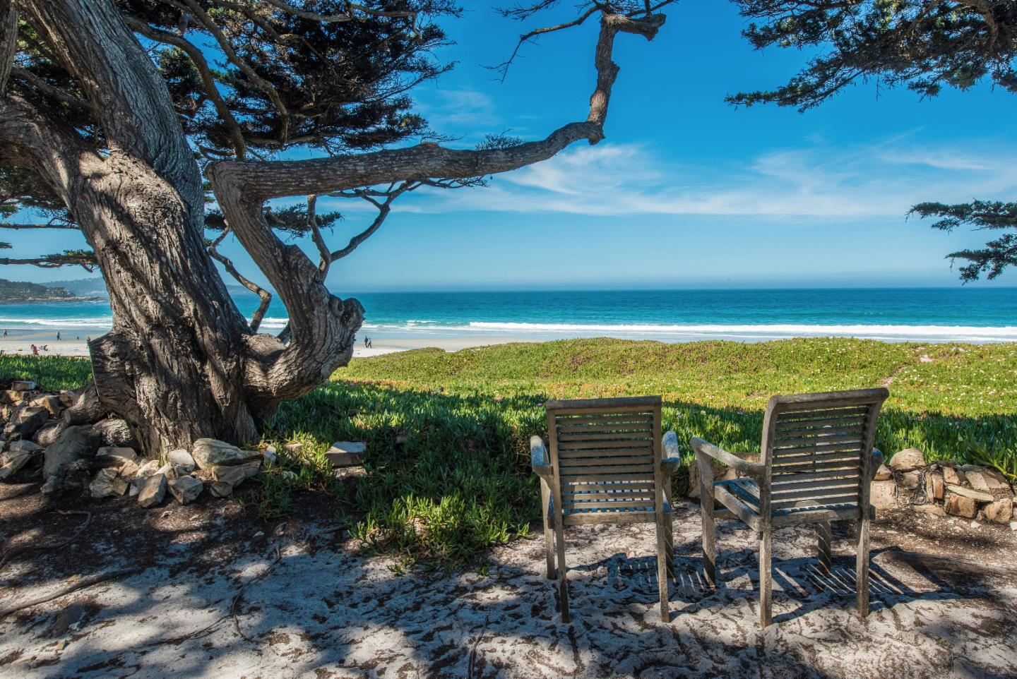 Additional photo for property listing at Scenic 2.5 NW of 8th Scenic 2.5 NW of 8th Carmel, カリフォルニア 93921 アメリカ合衆国