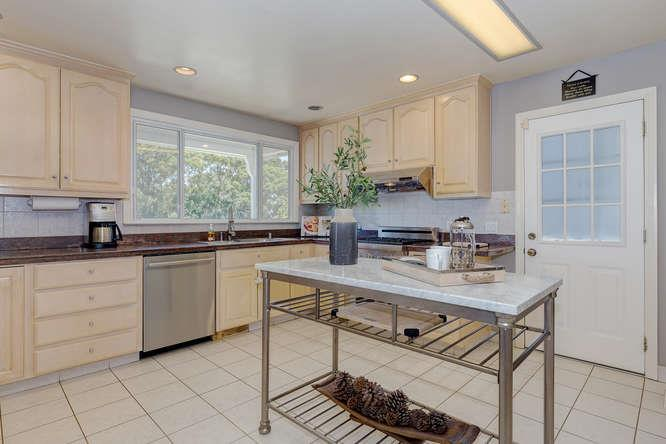 Additional photo for property listing at 181 El Bonito Way  Millbrae, California 94030 United States