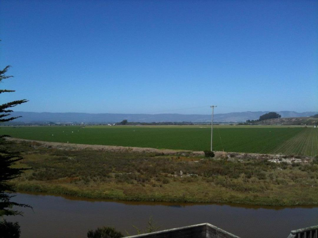 Additional photo for property listing at 72 Pelican Point 72 Pelican Point Watsonville, Калифорния 95076 Соединенные Штаты