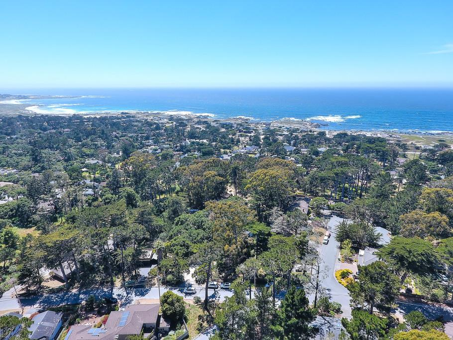 Additional photo for property listing at 280 Grove Acre Avenue  Pacific Grove, California 93950 United States