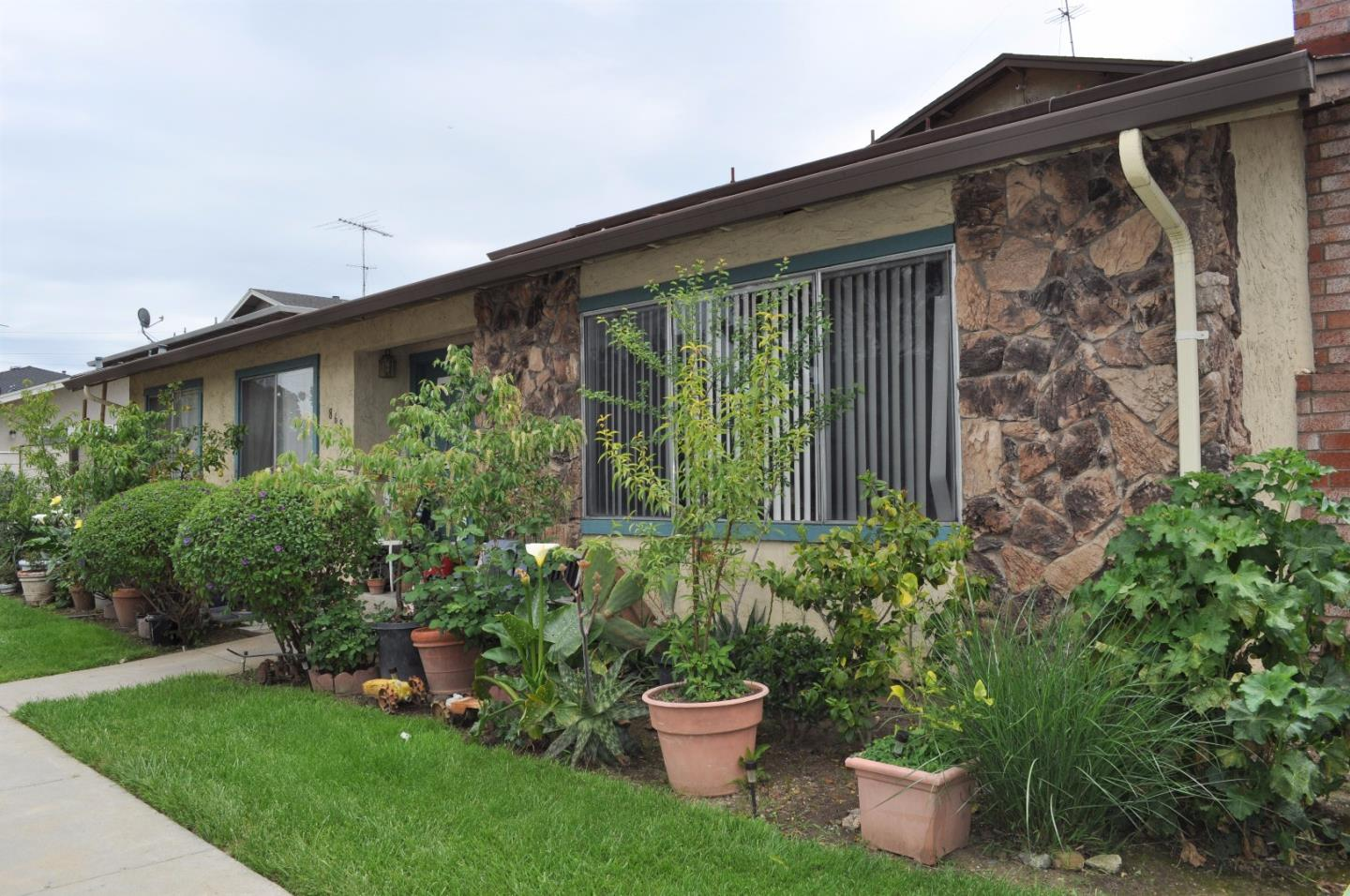Additional photo for property listing at 868 Canfield Court  San Jose, Californie 95136 États-Unis