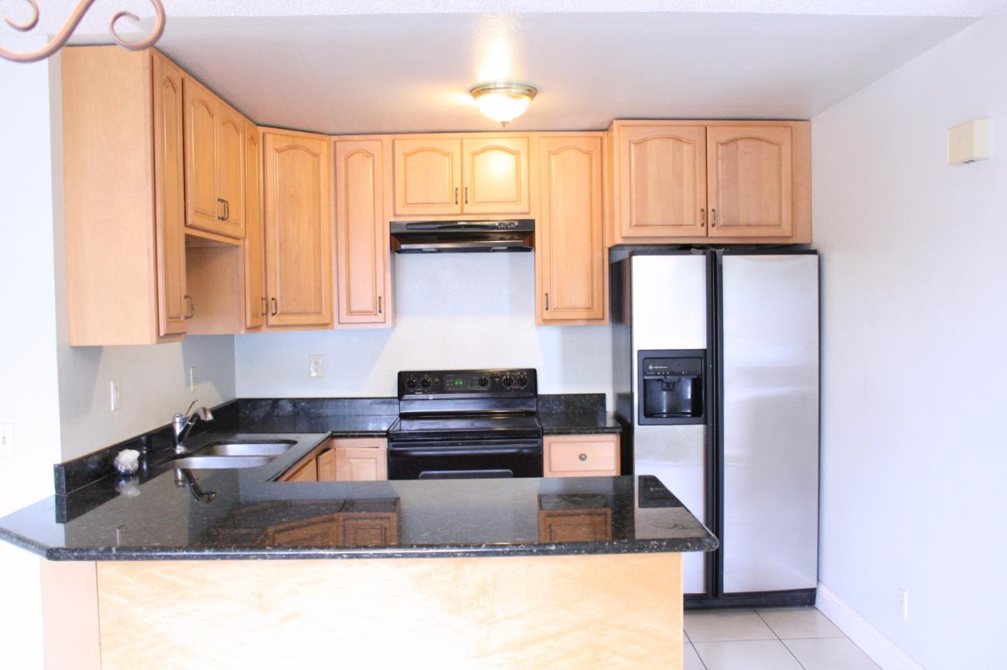 Additional photo for property listing at 868 Canfield Court  San Jose, カリフォルニア 95136 アメリカ合衆国