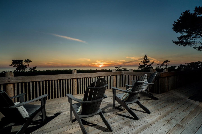 Частный односемейный дом для того Продажа на 3382 Laureles Lane Pebble Beach, Калифорния 93953 Соединенные Штаты
