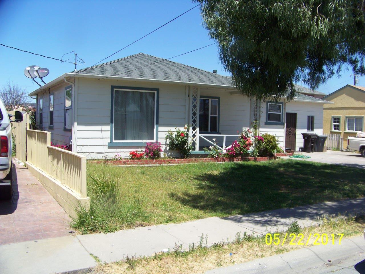 Einfamilienhaus für Verkauf beim 917 Beech Street Salinas, Kalifornien 93905 Vereinigte Staaten