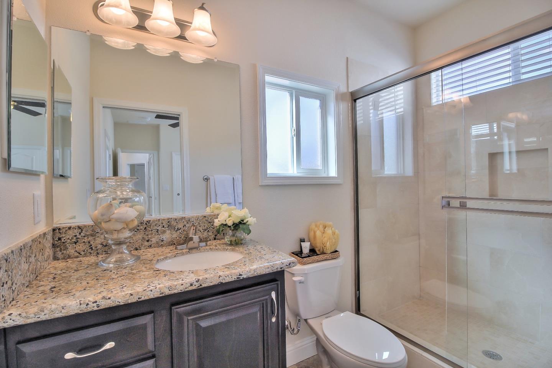 Additional photo for property listing at 14685 Oka Road  Los Gatos, California 95032 Estados Unidos